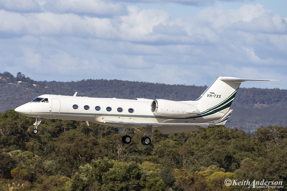 VH-TXS Gulfstream Aerospace G-IV, Owned by Revesco Aviation Pty Ltd at Perth Airport – 26 June 2016.