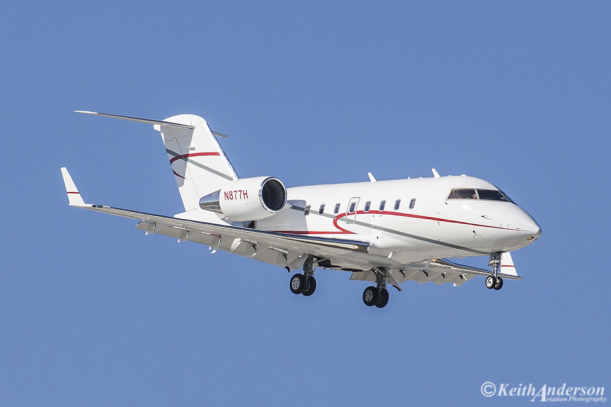 N877H Bombardier CL-600-2B16 Challenger 604 (MSN 5445) of Challenger 5445 LLC, Allentown PA at Perth Airport – 30 June 2016.