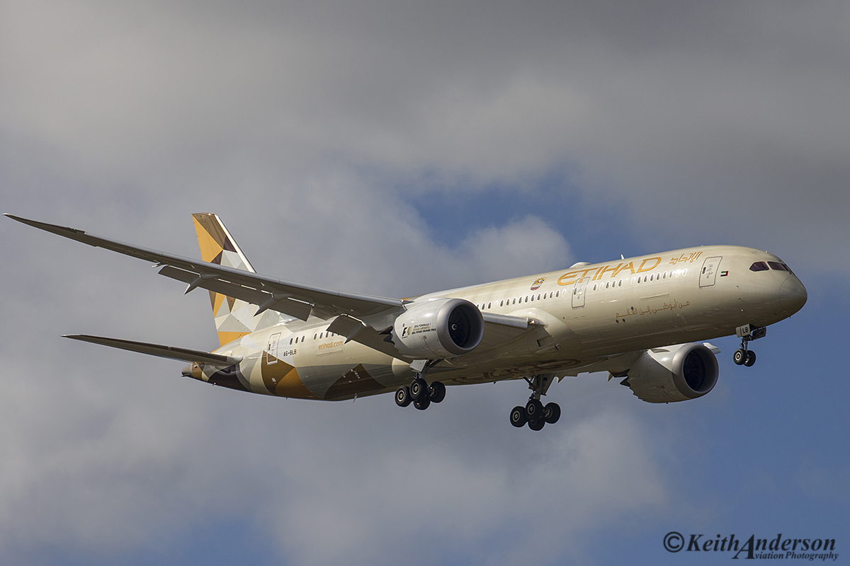 A6-BLB Boeing 787-9 DreamLiner (MSN39647) of Etihad at Perth Airport – 11 July 2016.