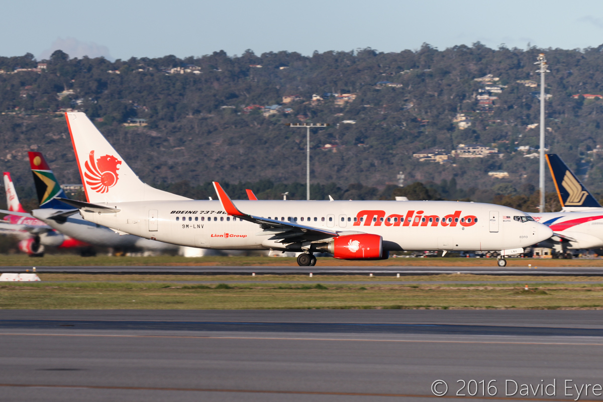 9M-LNV Boeing 737-8GP (MSN 39867/5635) of Malindo Air, at Perth Airport - Mon 18 July 2016. Flight OD152 to Kuala Lumpur, taking off from runway 21 at 4:41pm. Photo © David Eyre