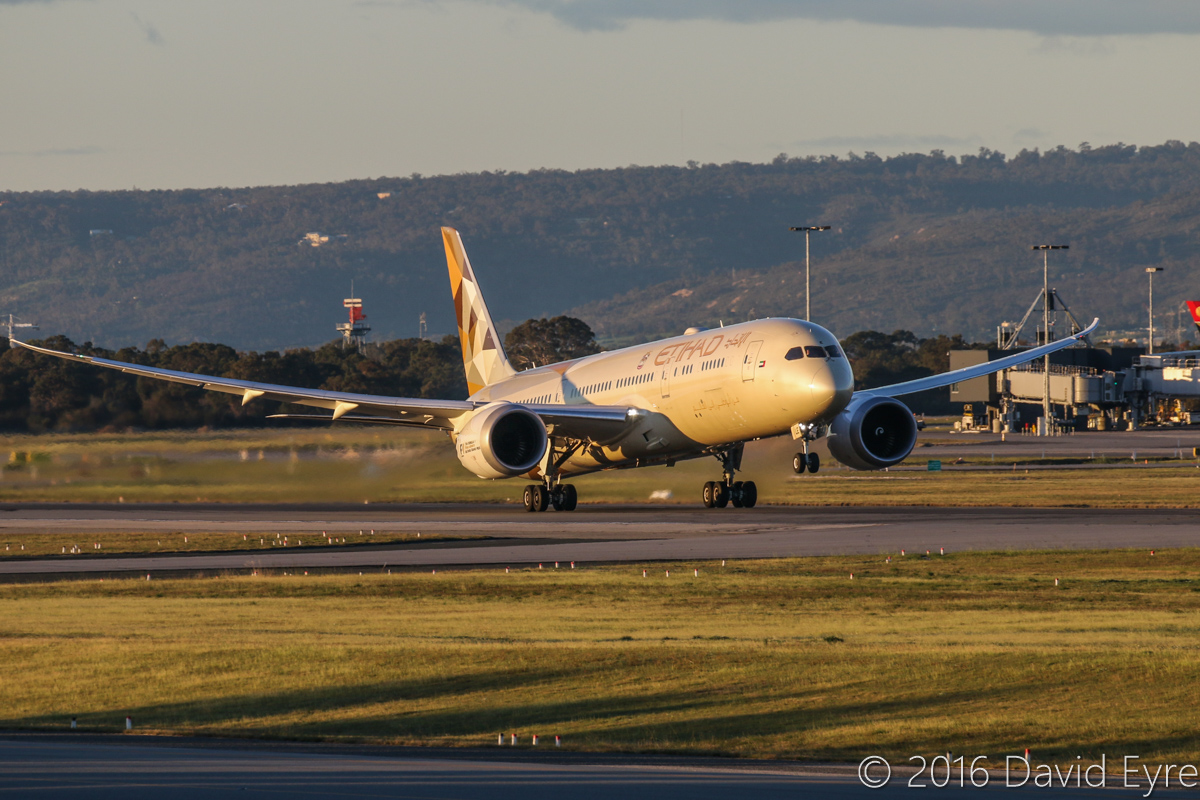 A6-BLE Boeing 787-9 Dreamliner (MSN 39650/305) of Etihad Airways, at Perth Airport - Mon 18 July 2016. First visit to Perth by A6-BLE. Flight EY487 to Abu Dhabi, taking off from runway 21 at 5:06pm. Photo © David Eyre