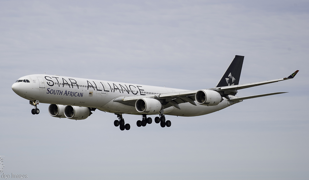 ZS-SNC Airbus A340-642 (MSN 426) of South African Airways, in Star Alliance special colours at Perth Airport – 27 July 2016.