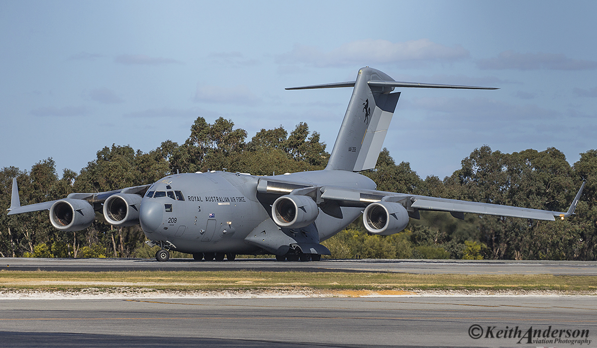 A41-209 Boeing C-17A Globemaster III (MSN F-184/AUS-4, ex 06-0209) of 36 Squadron, RAAF, at Perth Airport – 1 August 2016.