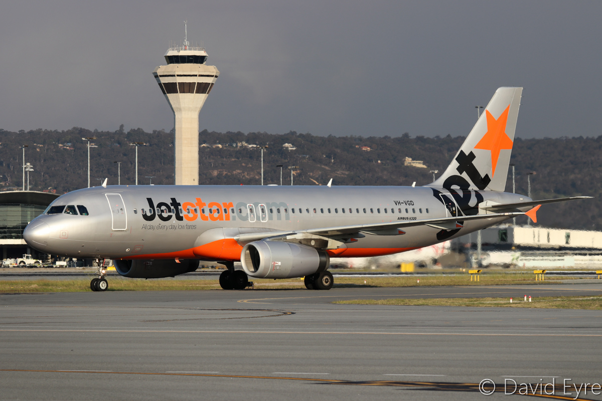 VH-VGD Airbus A320-232 (MSN 4527) of Jetstar at Perth Airport - Wed 14 September 2016. Flight JQ974 arriving from Adelaide at 4:58pm. Photo © David Eyre