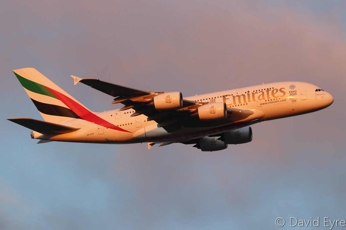 A6-EOF Airbus A380-861 (MSN 171) of Emirates, over the northern suburbs of Perth – Fri 16 September 2016. Flight EK420 from Dubai, joining the approach to runway 21 at Perth Airport at 6:02pm. Photo © David Eyre