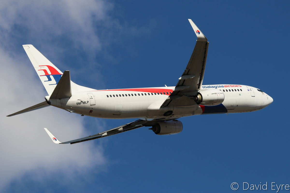 9M-MLP Boeing 737-8H6 (MSN 39326/4208) of Malaysia Airlines, at Perth Airport - Sun 25 September 2016. Flight MH120 to Kota Kinabalu, climbing after take-off from runway 21 at 3:23pm. Photo © David Eyre