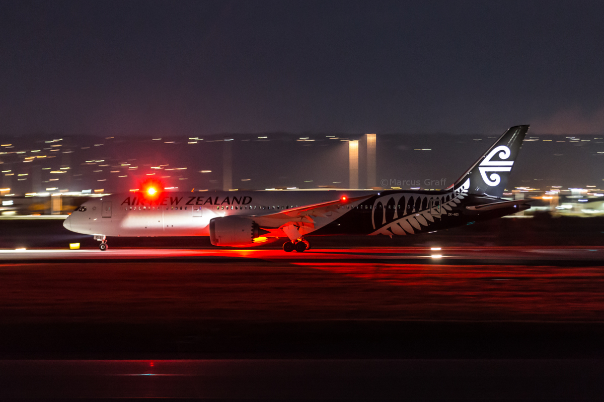 ZK-NZI Boeing 787-9 Dreamliner (MSN 37965/456) of Air New Zealand, at Perth Airport - Wed 12 October 2016. Flight NZ176 to Auckland, taking off from runway 03 at 7:16pm. Photo © Marcus Graff