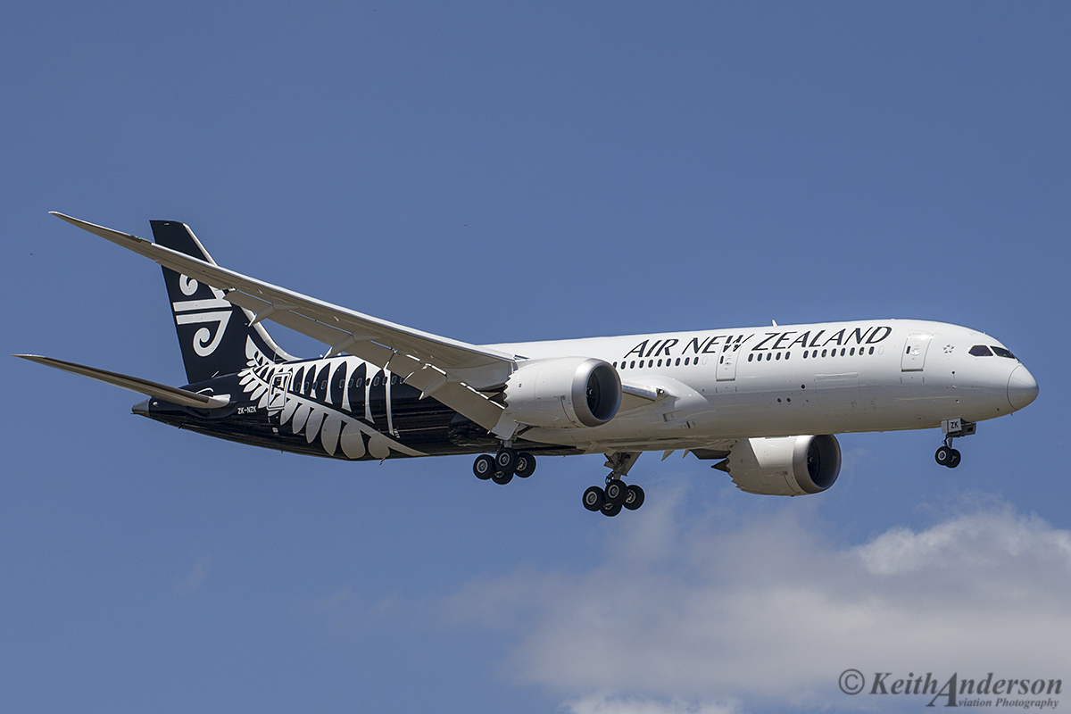 ZK-NZK Boeing 787-9 DreamLiner (MSN 43217) of Air New Zealand at Perth Airport – 18 October 2016.