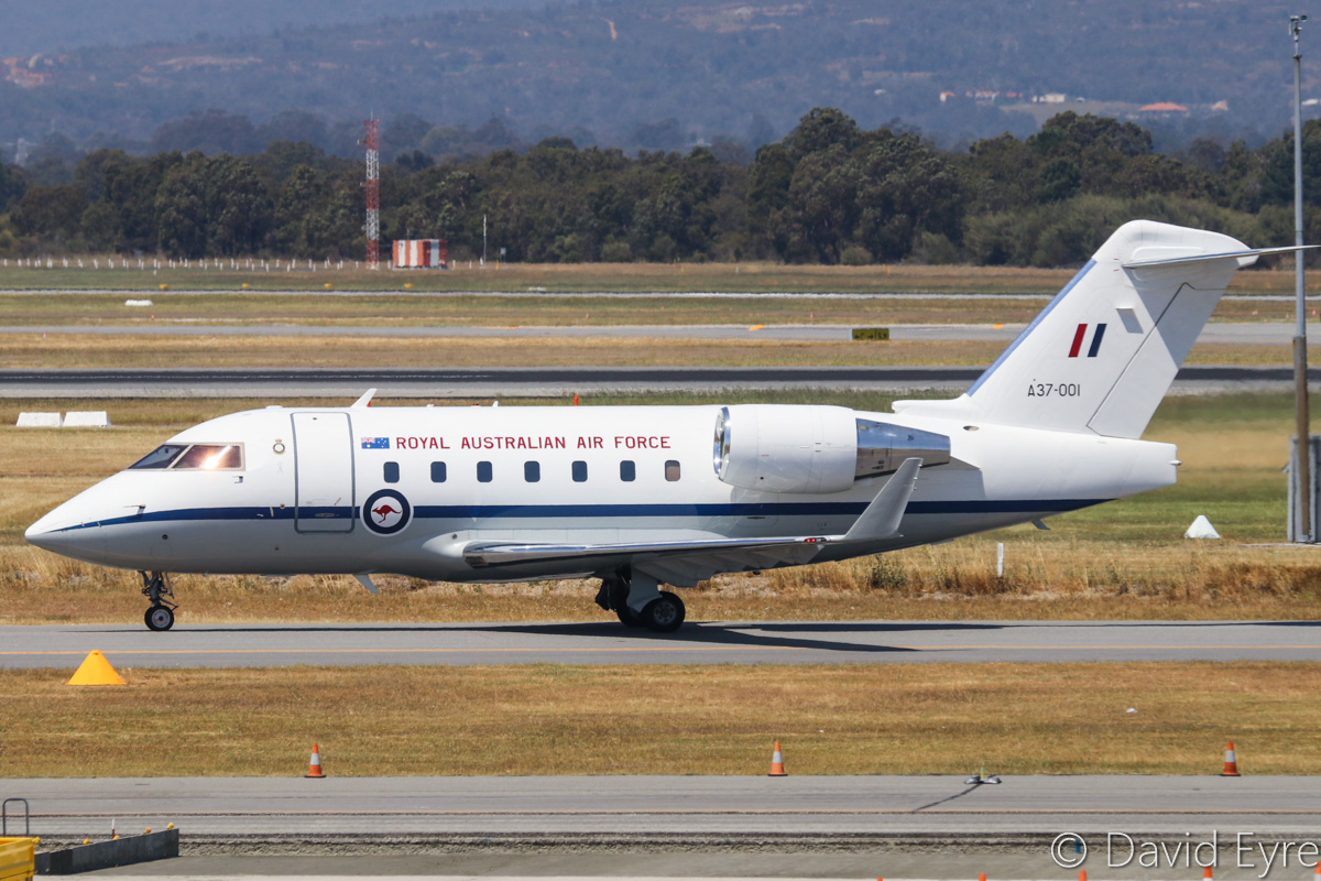 A37-001 Bombardier CL-600-2B16 Challenger 604 (MSN 5521, ex N521RF) of RAAF, 34 Squadron, Fairbairn (Canberra), ACT, at Perth Airport - Fri 28 October 2016. Taxying in at 1:24pm, after arriving from Geraldton as 'REGENT 91'. Photo © David Eyre