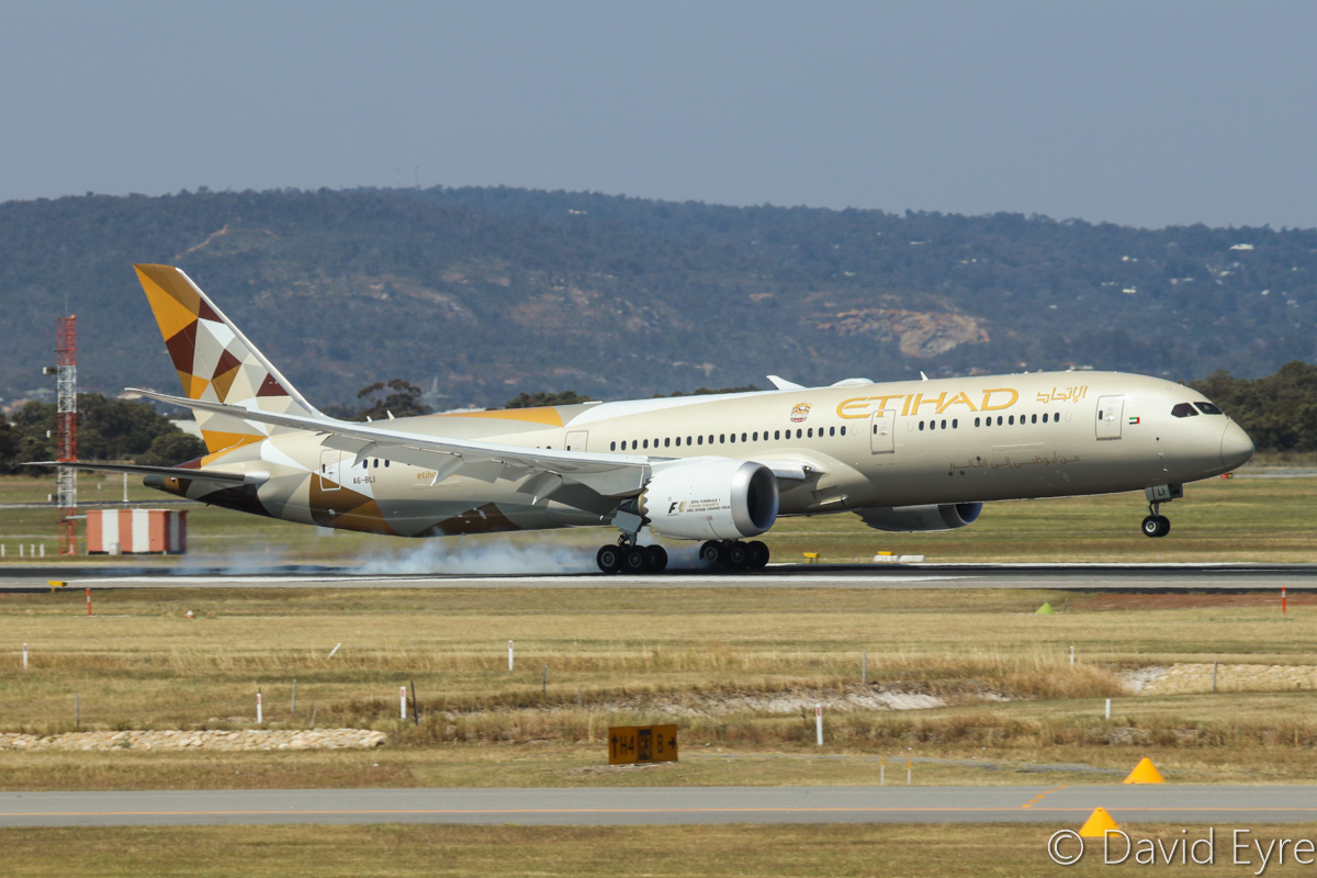 A6-BLI Boeing 787-9 Dreamliner (MSN 39655/459) of Etihad, at Perth Airport - Fri 28 October 2016. Landing on runway 21 at 1:48pm as EY486 from Abu Dhabi. Photo © David Eyre