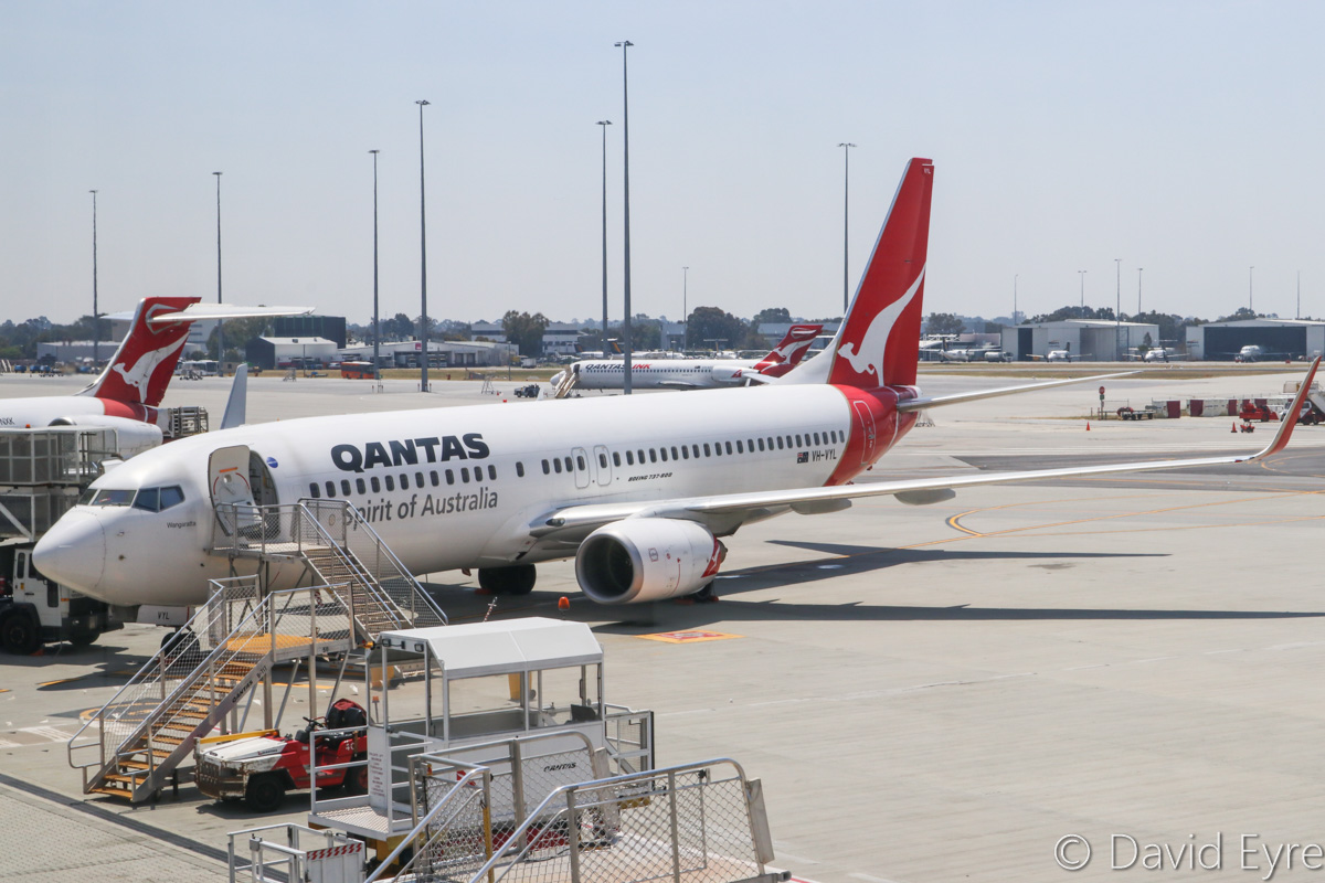 VH-VYL Boeing 737-838 (MSN 34184/1854) of Qantas, named 'Wangaratta' at Perth Airport – Fri 28 October 2016. Parked on Bay 9, Terminal 4 at 12:40pm, being prepared for departure as flight QF1088 to Newman, which departed at 1:47pm. Photo © David Eyre