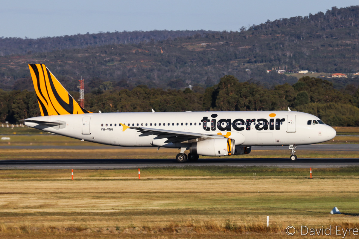 VH-VNG Airbus A320-232 (MSN 3674) of Tigerair Australia, at Perth Airport - Fri 28 October 2016. Flight TT416 to Melbourne, taking off from runway 21 at 5:23pm. Photo © David Eyre