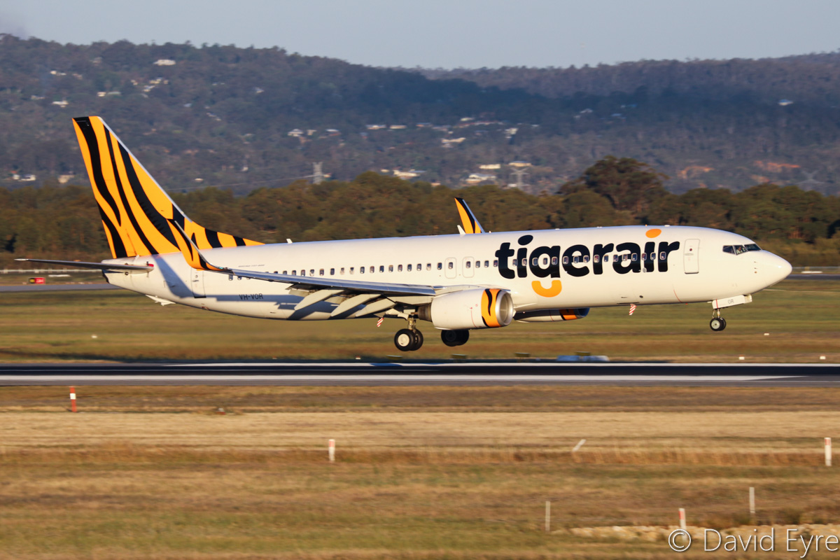 VH-VOR Boeing 737-8FE (MSN 33799/1462) of Tigerair Australia, at Perth Airport - Fri 28 October 2016. Flight TT18 from Denpasar landing on runway 21 at 6:12pm. Photo © David Eyre