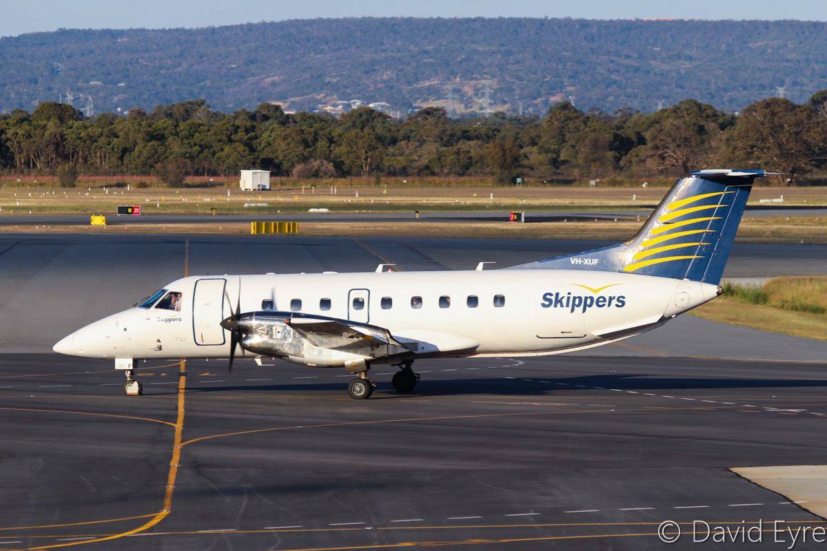 VH-XUF Embraer 120ER Brasilia (MSN 120207) of Skippers Aviation, at Perth Airport - Fri 28 October 2016. Taxying in at 5:40pm, after arriving from Mount Magnet. Photo © David Eyre