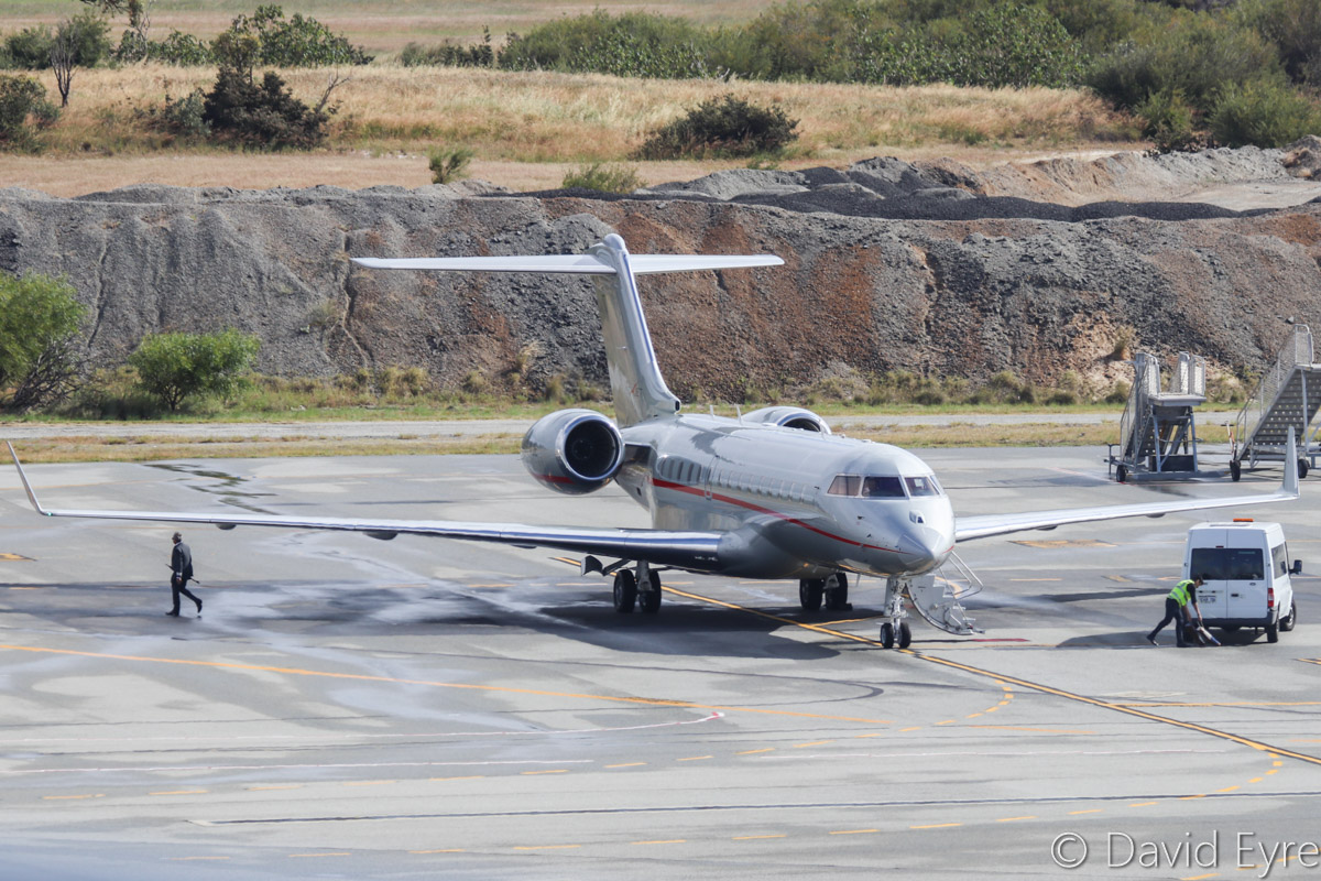 9H-VJE Bombardier BD-700-1A10 Global 6000 (MSN 9502) of VistaJet Ltd, at Perth Airport - Sat 29 October 2016. Arrived on 25 October 2016 from Subang, Malaysia as 'VISTAJET 757', and is seen here at 8:26am being prepared for departure. It took off to Subang at 9:51am, using the same callsign. Sister ship 9H-VJW also visited around the same time. Photo © David Eyre