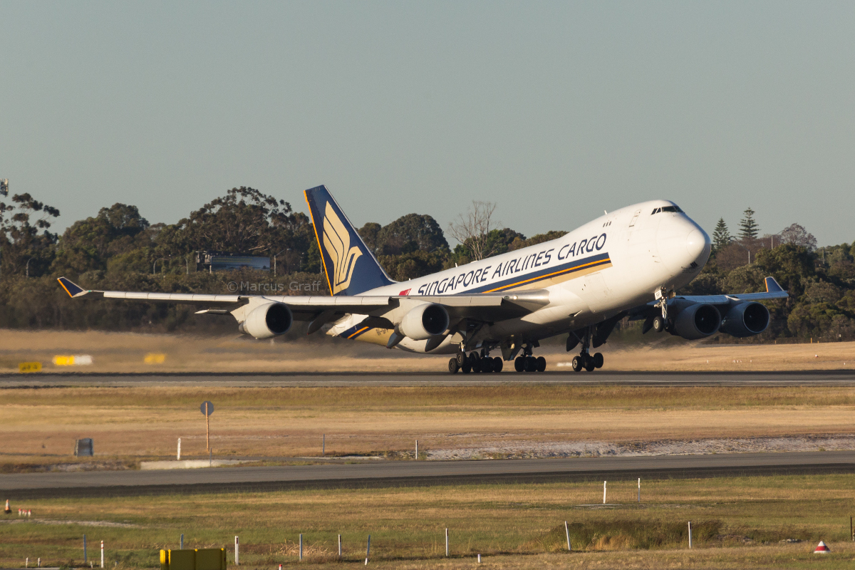 9V-SFP Boeing 747-412F (MSN 32902/1364) of Singapore Airlines Cargo at Perth Airport – Mon 14 November 2016. Arrived at 3:30am as SQ7285 from Melbourne, and seen here taking off from runway 03 at 6:07am to Singapore. Photo © Marcus Graff