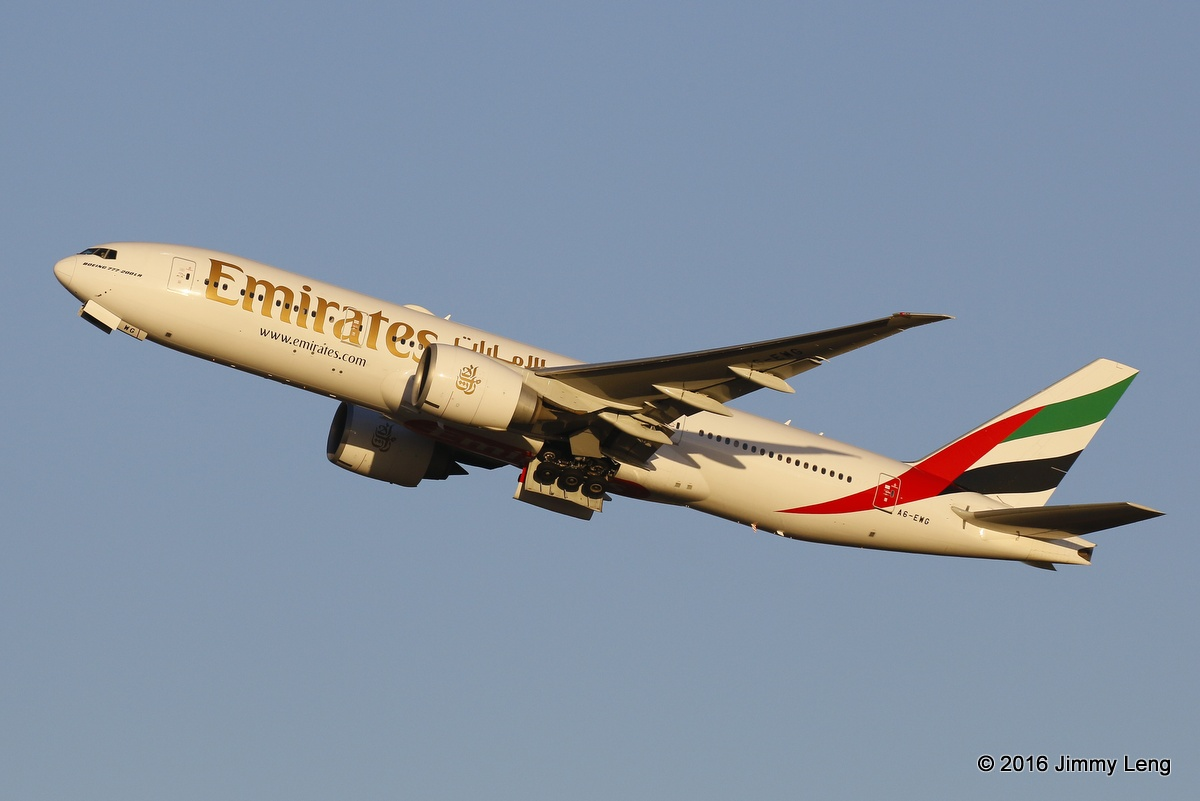 A6-EWG Boeing 777-21HLR (MSN 35578) of Emirates at Perth Airport – 17 Nov 2016.