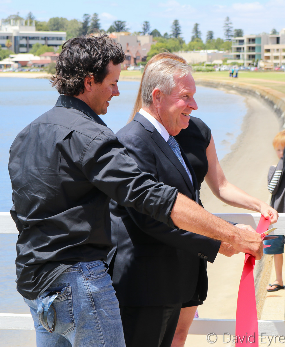 Western Australian Premier and Tourism Minister Colin Barnett, with Troy Thomas and Kristy Bailey of Swan River Seaplanes, cutting the red ribbon at official launch of Swan River Seaplanes' seaplane tourism services between Perth's Swan River and Margaret River, at Queen Street Jetty, South Perth - Mon 23 January 2017. Photo © David Eyre