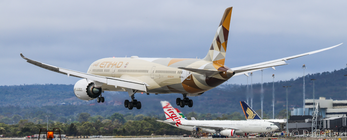 A6-BLJ Boeing 787-9 Dreamliner (MSN 39657/486) of Etihad, at Perth Airport - Sat 11 February 2017. Flight EY486 from Abu Dhabi, about to land on runway 06 at 12:42pm. Photo © David Eyre