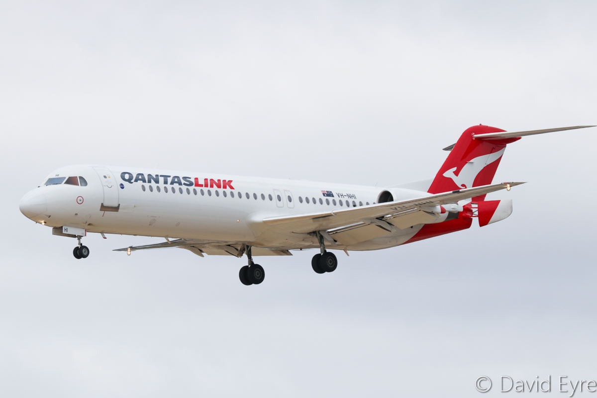 VH-NHI Fokker 100 (MSN 11479) of QantasLink (Network Aviation), at Perth Airport – Sat 11 February 2017. 'NETLINK 1606' from Kalgoorlie, about to land on runway 06 at 10:50am. Photo © David Eyre