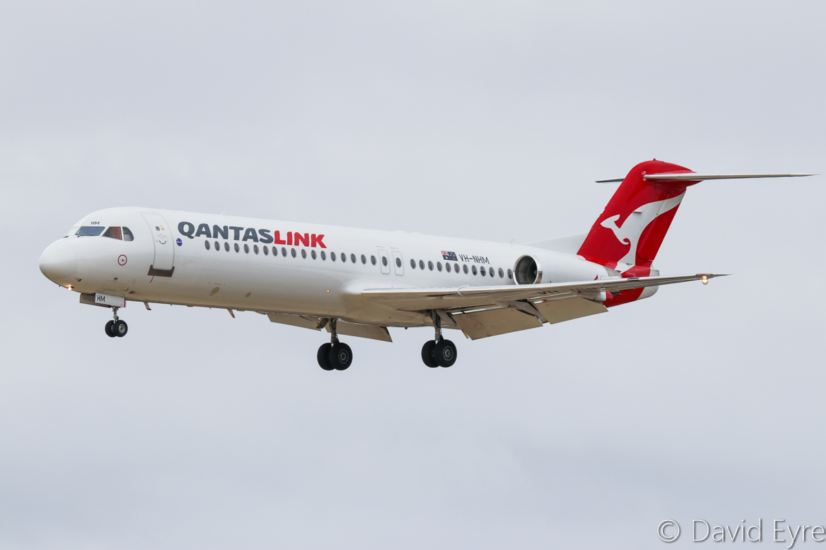 VH-NHM Fokker 100 (MSN 11449) of QantasLink (Network Aviation), at Perth Airport – Sat 11 February 2017. Landing on runway 06 as 'NETLINK 1623' from Newman, at 10:50am. Photo © David Eyre