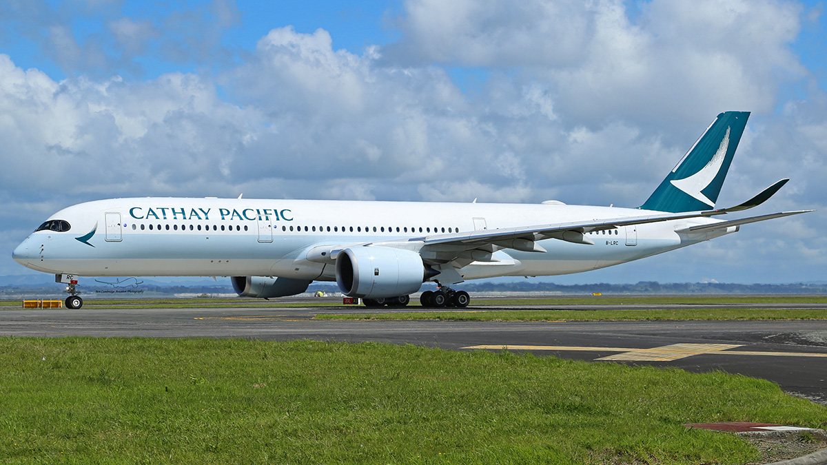 B-LRC Airbus A350-941 (MSN 034) of Cathay Pacific at Auckland - 28 October 2016. Photo © Ben Cambridge