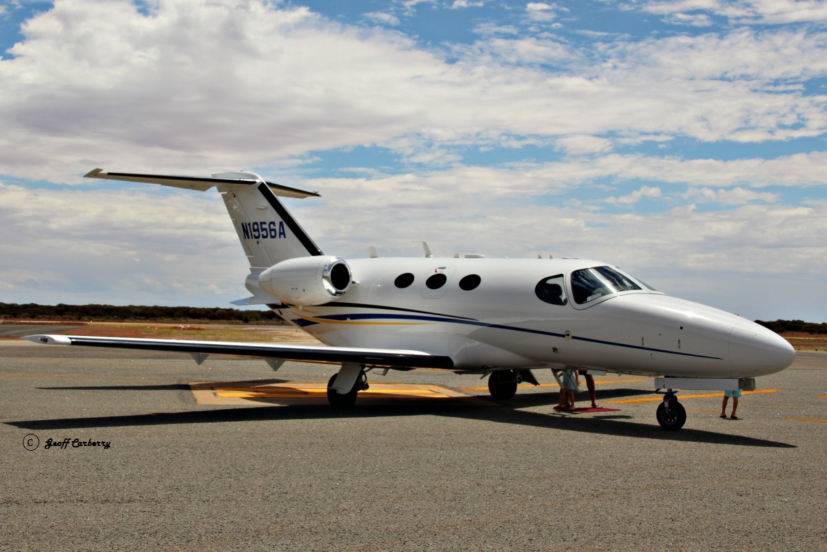 N1956A Cessna 510 Citation Mustang (MSN 510-0305) owned by TVPX ARC LLC Trustee, North Salt Lake, Utah, USA, at Meekatharra Airport - Tue 28 February 2017. Stopping for fuel while en route from Darwin - Broome - Meekatharra - Jandakot. Built in 2010. Photo © Geoff Carberry