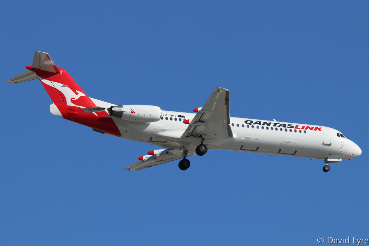 VH-NHZ Fokker 100 (MSN 11515) of Qantaslink (Network Aviation) at Perth Airport – Wed 22 February 2017. NETLINK 1643 from Learmonth, on approach to runway 24 at 4:46 pm. Photo © David Eyre