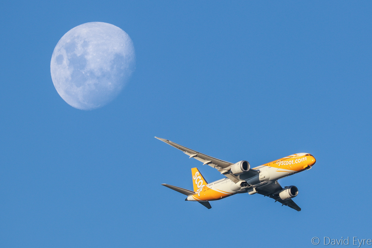 9V-OJB Boeing 787-9 Dreamliner (MSN 37113/272) of Scoot, named 'Barry', over the northern suburbs of Perth - Thu 9 March 2017. With the moon behind. Flight TZ8 from Singapore, turning onto the approach to Perth Airport's runway 21 and lowering gear at 5:57pm. Photo © David Eyre
