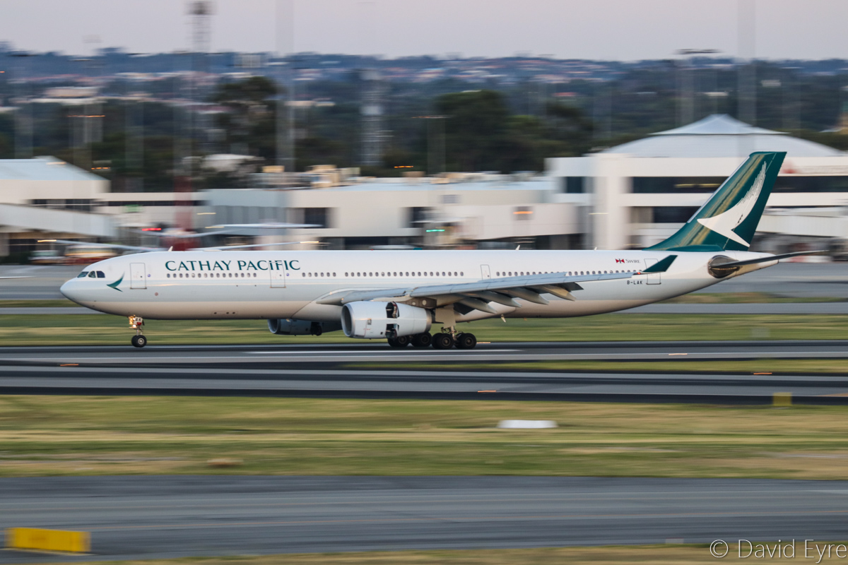 B-LAK Airbus A330-343X (MSN 1196) of Cathay Pacific, at Perth Airport – Fri 10 March 2017. Wearing Cathay Pacific's new livery, landing on runway 21 at 6:23am as CX137 from Hong Kong. Photo © David Eyre