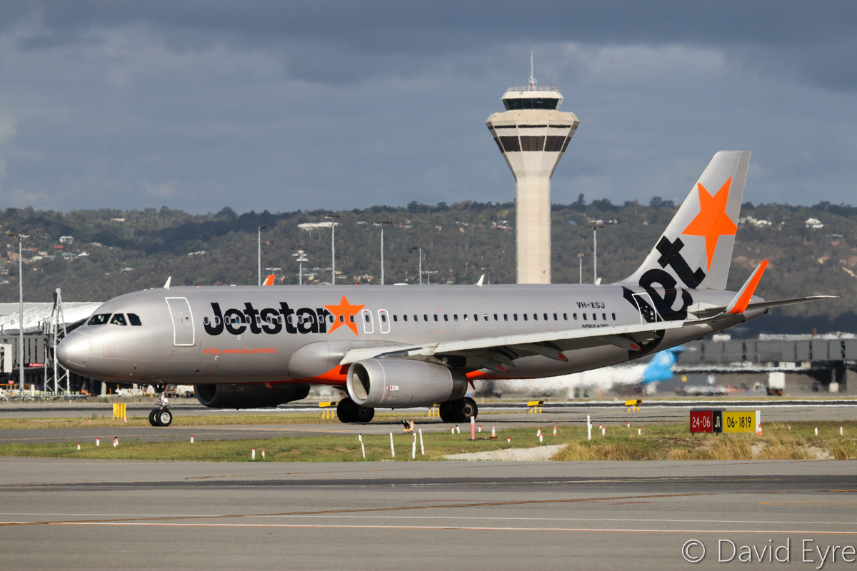 VH-XSJ Airbus A320-232 (sharklets) (MSN 5482) of Jetstar, at Perth Airport – Thu 23 March 2017. Formerly 9V-JST with Jetstar Asia (Singapore), this aircraft was originally delivered with wingtip fences and had 'sharklet' winglets fitted in March 2015. Taxying off runway 24 at 4:05pm as JQ974 from Adelaide. Photo © David Eyre