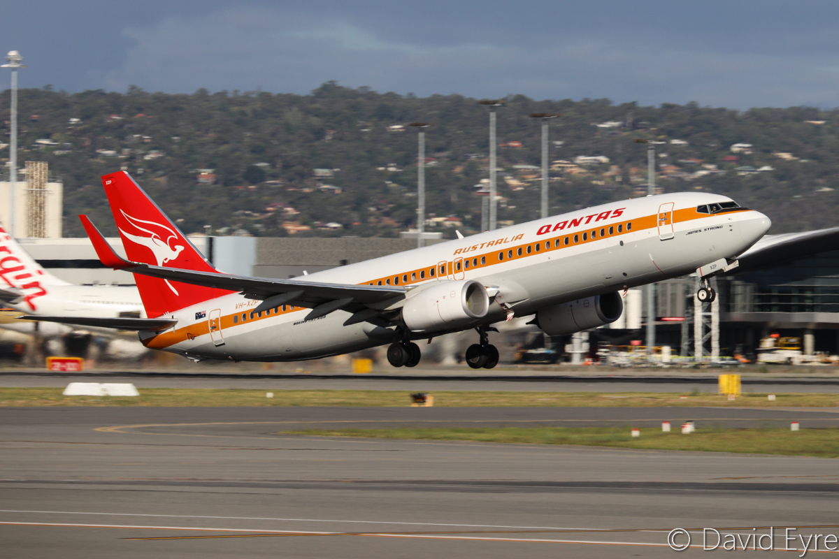 VH-XZP Boeing 737-838 (MSN 44577/5164) of Qantas, named 'James Strong', in special 1970s 'Retro Roo' livery at Perth Airport – Thu 23 March 2017. QF594 to Brisbane, taking off from runway 24 at 4:35pm. Photo © David Eyre