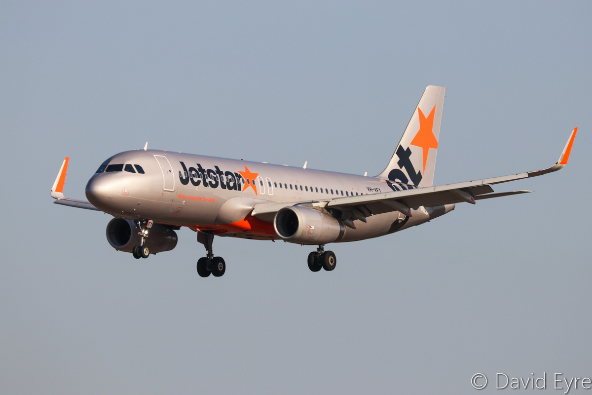 VH-VFY Airbus A320-232 (MSN 6362) of Jetstar, at Perth Airport - Fri 31 March 2017. Flight JQ109 from Denpasar (Bali), landing on runway 03 at 4:16pm. Photo © David Eyre