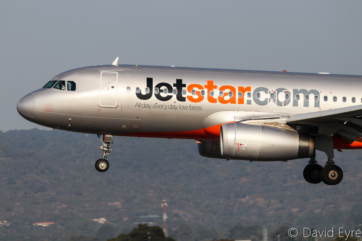 VH-VGD Airbus A320-232 (MSN 4527) of Jetstar at Perth Airport - Fri 31 March 2017. Flight JQ974 arriving from Adelaide at 4:11pm on runway 03. Photo © David Eyre