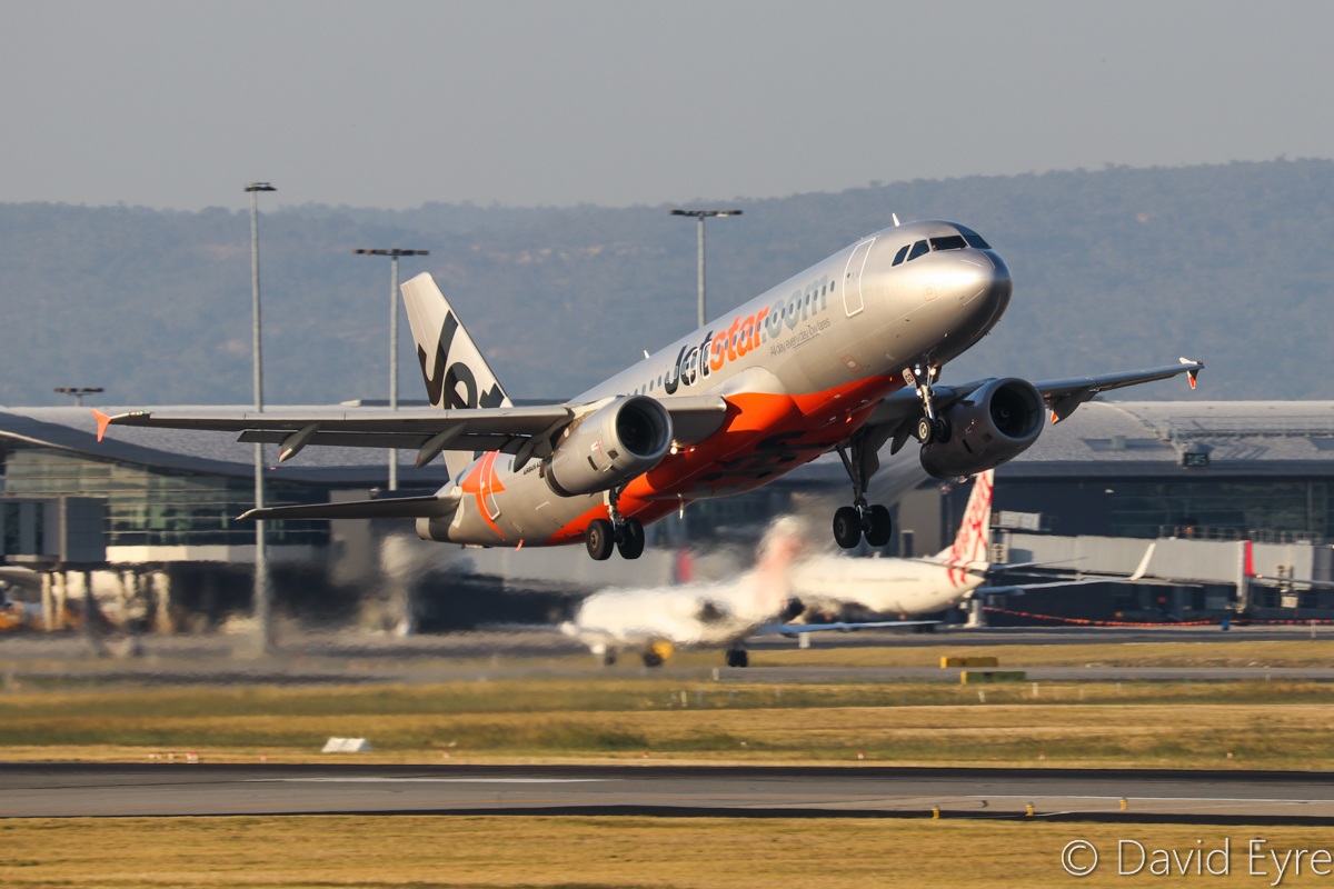 VH-VGD Airbus A320-232 (MSN 4527) of Jetstar at Perth Airport - Fri 31 March 2017. Flight JQ975 to Adelaide, taking off from runway 21 at 5:07pm. Photo © David Eyre