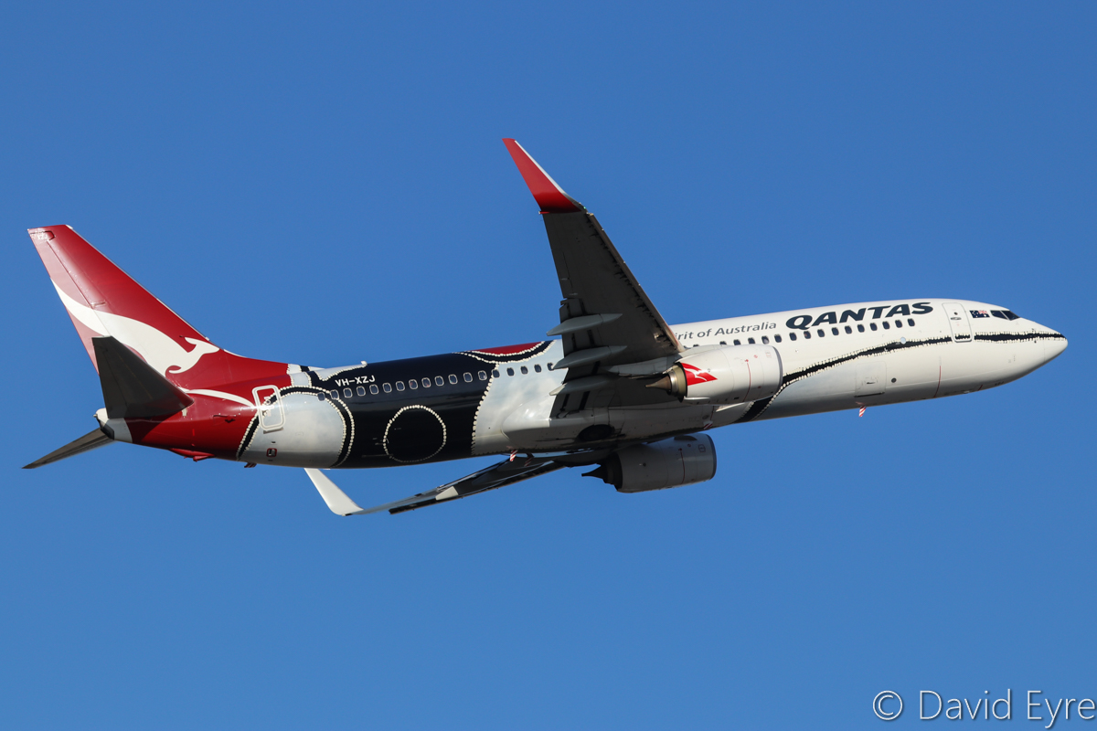 VH-XZJ Boeing 737-838 (MSN 39365/4669) of Qantas, named 'Mendoowoorrji', in Aboriginal art livery, at Perth Airport – Fri 31 March 2017. QF594 to Brisbane after take-off from runway 21 at 4:35pm. Photo © David Eyre