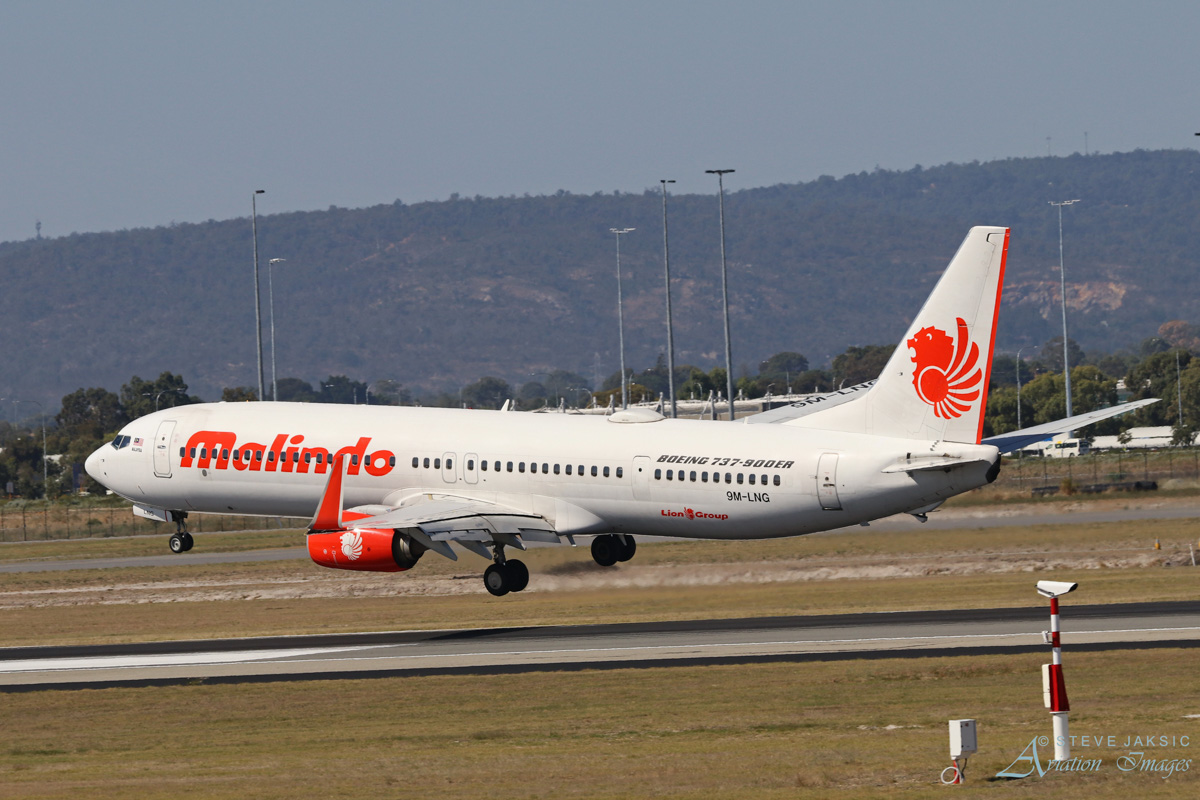 9M-LNG Boeing 737-9GP ER (MSN 38729/4380) of Malindo Air at Perth Airport - Sat 1 April 2017. **First visit to Perth by 9M-LNG**. Flight OD151 from Kuala Lumpur, landing on runway 03 at 2.14pm. Photo © Steve Jaksic