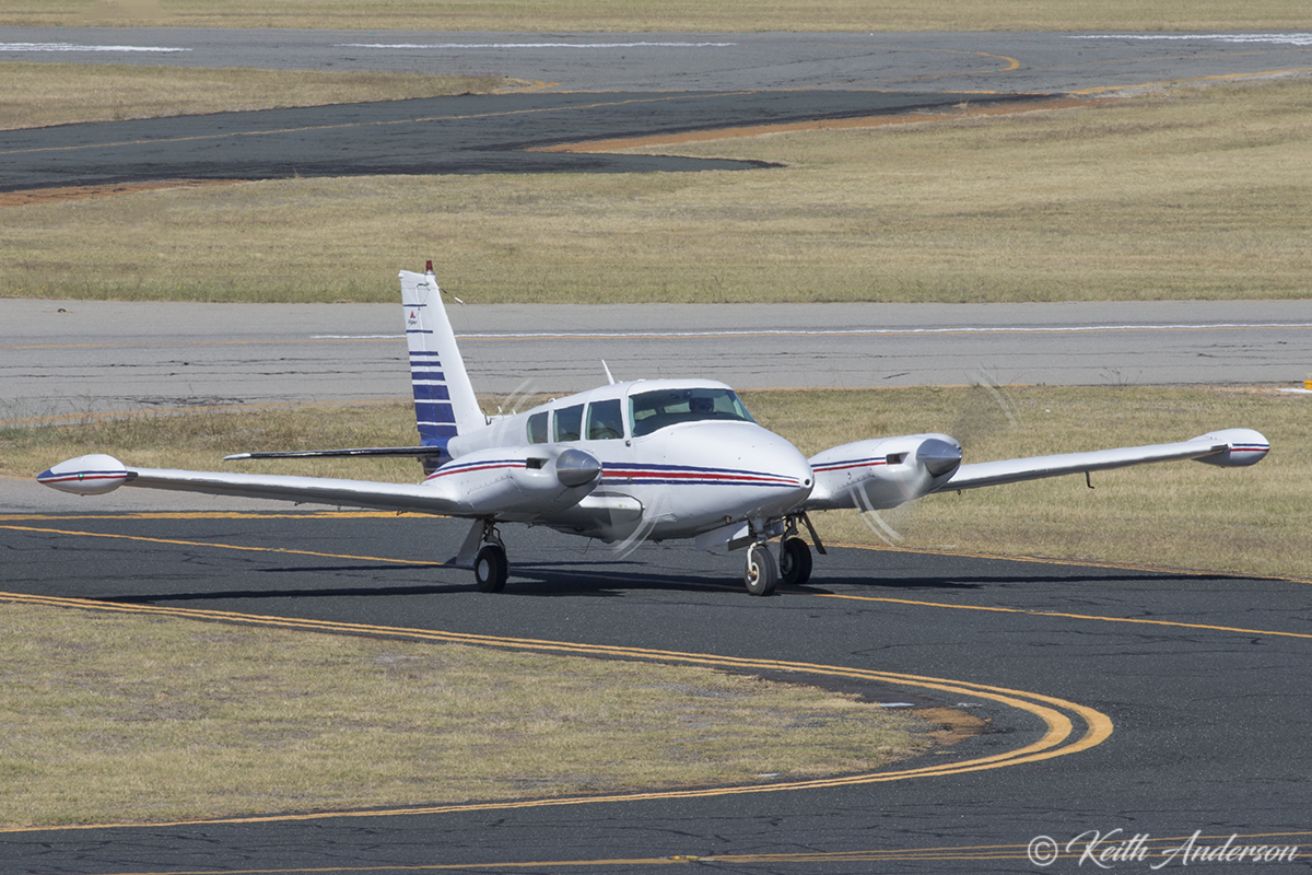 VH-SGZ Piper PA-30 Twin Comanche B (MSN 30-1590) owned by Gimson Pty Ltd of Dowerin, WA, at Jandakot Airport – 24 April 2017.