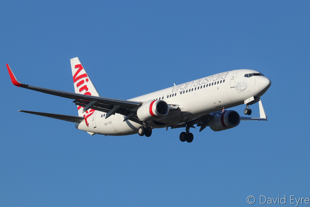 VH-YIF Boeing 737-8FE (MSN 38710/3904) named 'Sorrento Beach' of Virgin Australia, at Perth Airport - Wed 5 April 2017. Flight VA1436 from Darwin, on final approach to runway 21 at 4:51pm. Photo © David Eyre