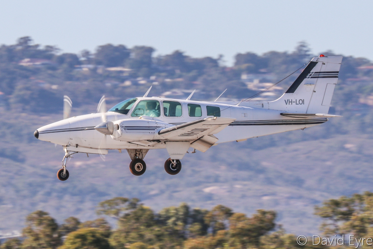 VH-LOI Beech Baron 58 (MSN TH-743) of Star Aviation, at Perth Airport - Mon 24 April 2017. Landing on runway 03 at 9:33am. Built in 1976, ex N1824L. Photo © David Eyre