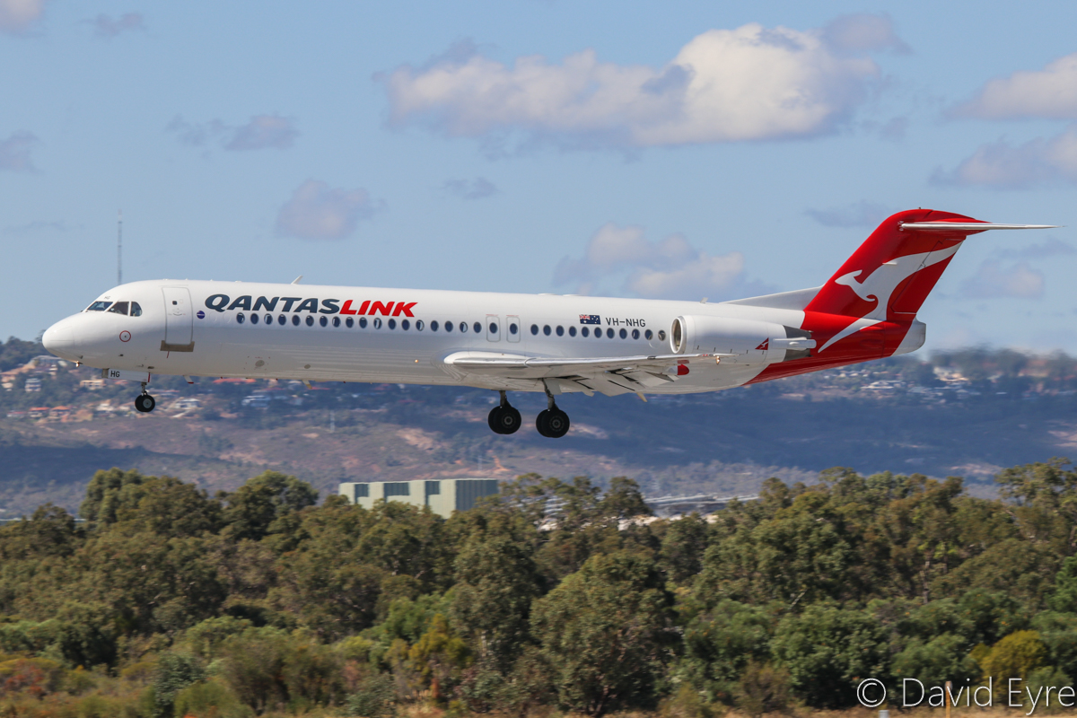 VH-NHG Fokker 100 (MSN 11514) of QantasLink (Network Aviation), at Perth Airport – 24 April 2017. QF1601 (callsign NETLINK 1601) from Port Hedland, landing on runway 03 at 11:40am. Photo © David Eyre