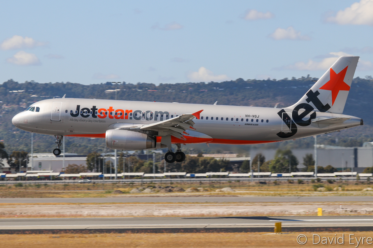 VH-VGJ Airbus A320-232 (MSN 4460) of Jetstar, at Perth Airport - 24 April 2017. Flight JQ117 from Denpasar (Bali), landing on runway 03 at 11:43am. Photo © David Eyre