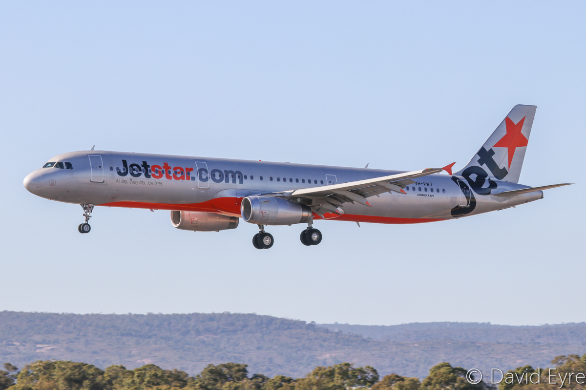 VH-VWT Airbus A321-231 (MSN 3717) of Jetstar at Perth Airport - Mon 24 April 2017. Flight JQ972 from Melbourne, landing on runway 03 at 9:12am. Photo © David Eyre