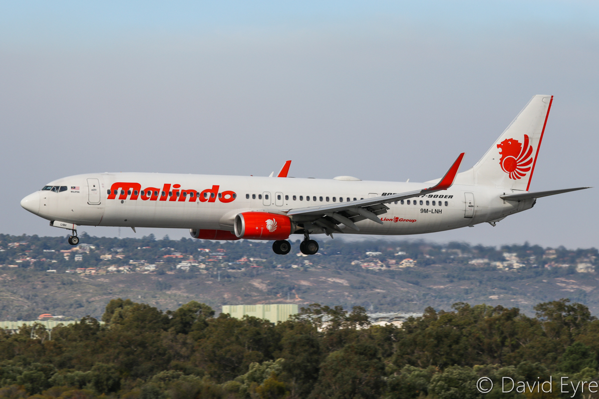 9M-LNH Boeing 737-9GP ER (MSN 38732/4484) of Malindo Air at Perth Airport – 6 June 2017. Flight OD151 from Kuala Lumpur, landing on runway 03 at 2:04pm. Photo © David Eyre