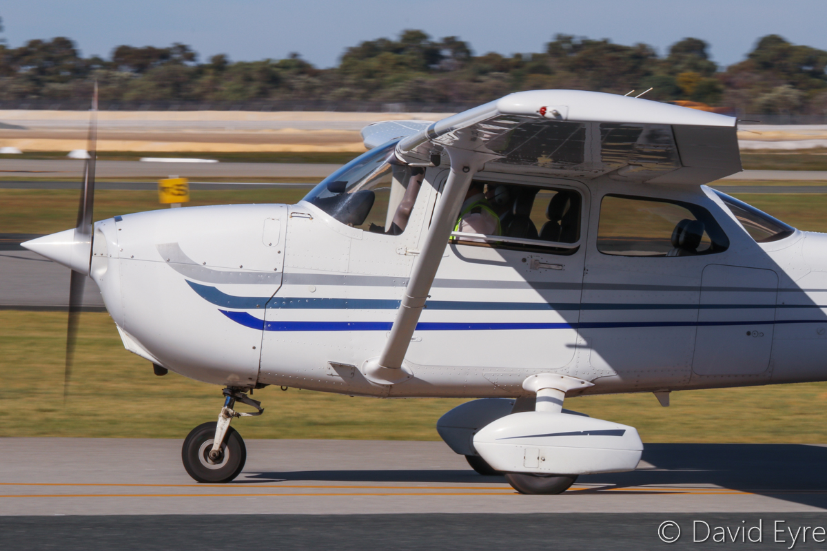 VH-EEN Cessna 172S Skyhawk SP (MSN 172S9411) owned by the Royal Aero Club of Western Australia Inc, at Jandakot Airport - 6 June 2017. Taxying out for a training flight. Built in 2003, ex N411FA. Photo © David Eyre