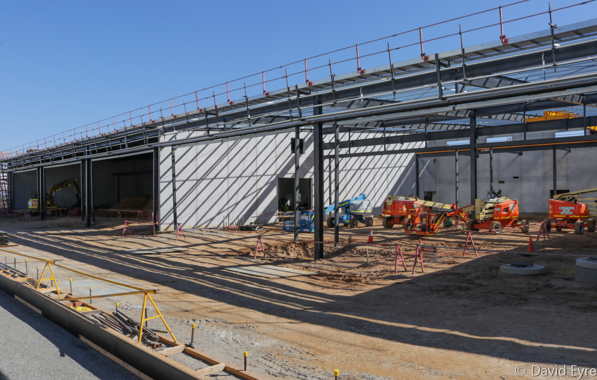 Hangar under construction for Pilatus PC-21 aircraft of 2 Flying Training School, RAAF, at RAAF Pearce - Fri 9 June 2017. Photo © David Eyre