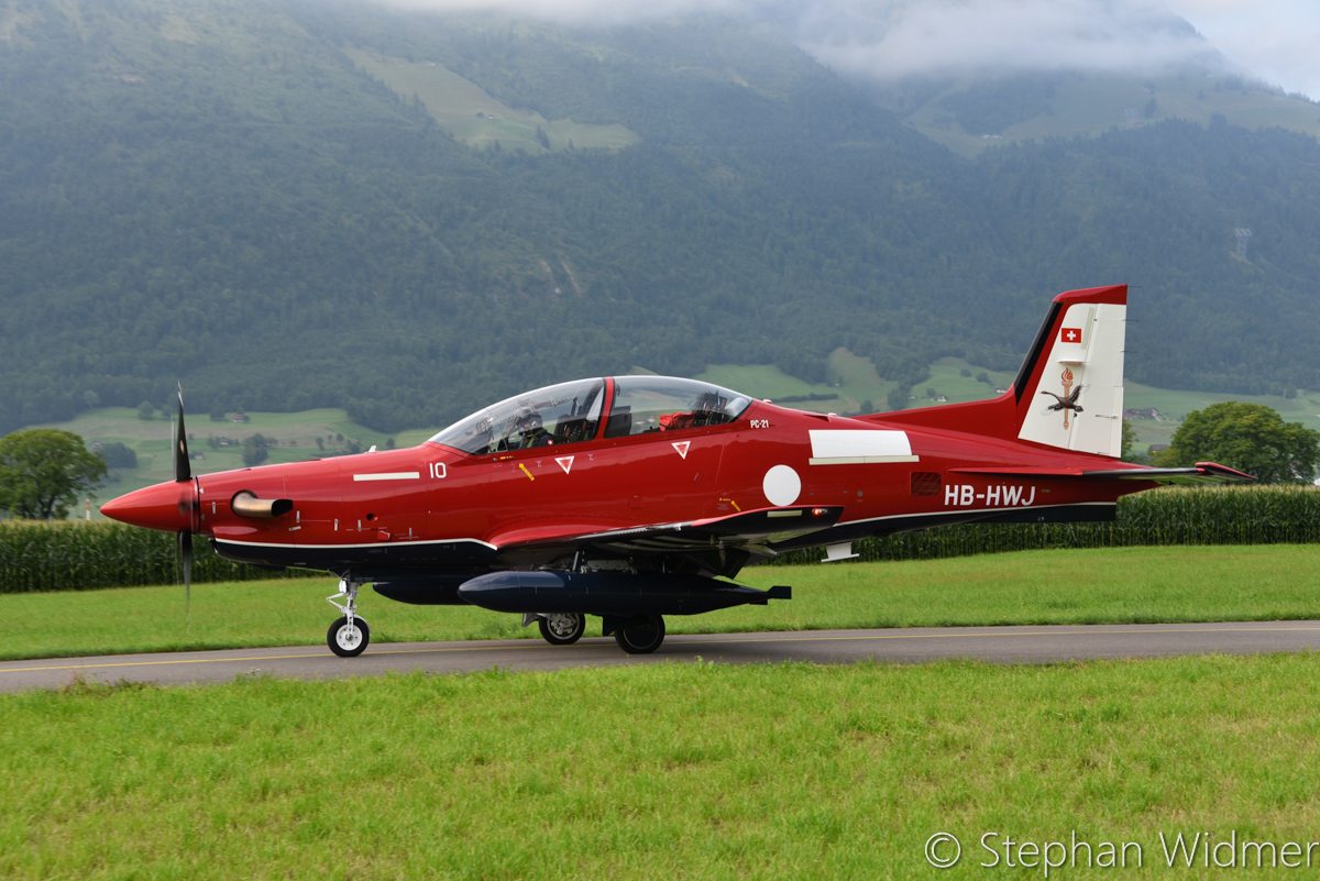 HB-HWH/A54-010 Pilatus PC-21 (MSN 243) of the Royal Australian Air Force, in 2 Flying Training School markings, at Stans, Switzerland – Fri 4 August 2017. Departing the Pilatus Aircraft facility at Stans, Switzerland on the delivery flight to Australia. Photo © Stephan Widmer