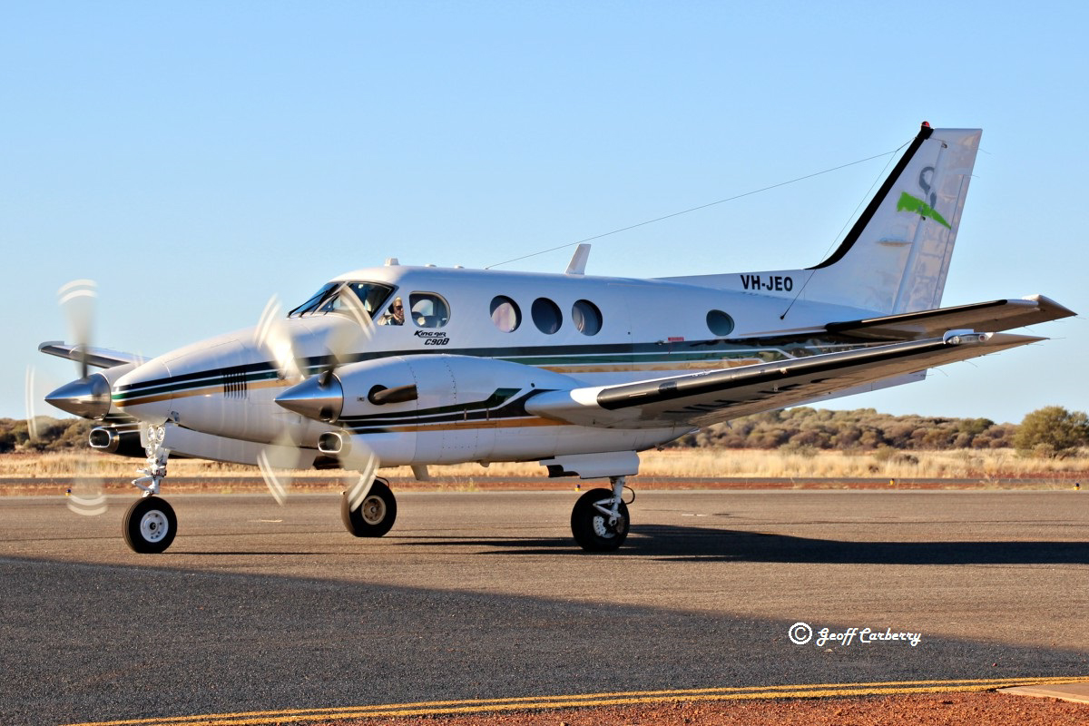 VH-JEO Beech King Air C90B (MSN LJ-1464) owned by Goldfields Air Services (Texrio Pty Ltd), of Kalgoorlie, WA, at Meekatharra Airport - 10 August 2017. On a brief visit to Meekatharra from Kalgoorlie. Built in 1997, ex VH-JET, N2040E, CC-PBK, N1083K. Photo © Geoff Carberry.