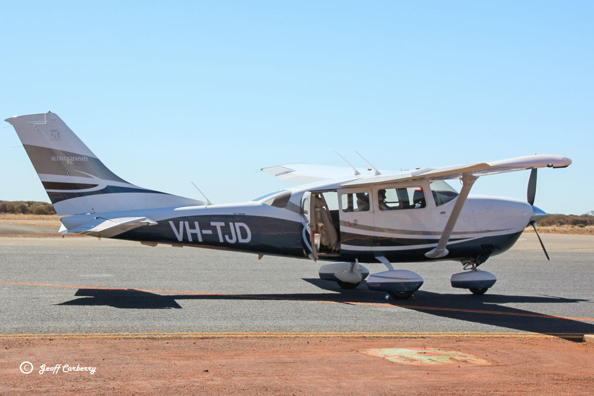 VH-TJD Cessna T206H Stationair TC (MSN T20608849) owned and operated by Tadmar Investments at Meekatharra Airport - 20 August 2017. Returning to Jandakot. Built in 2008, ex N322V. Photo © Geoff Carberry