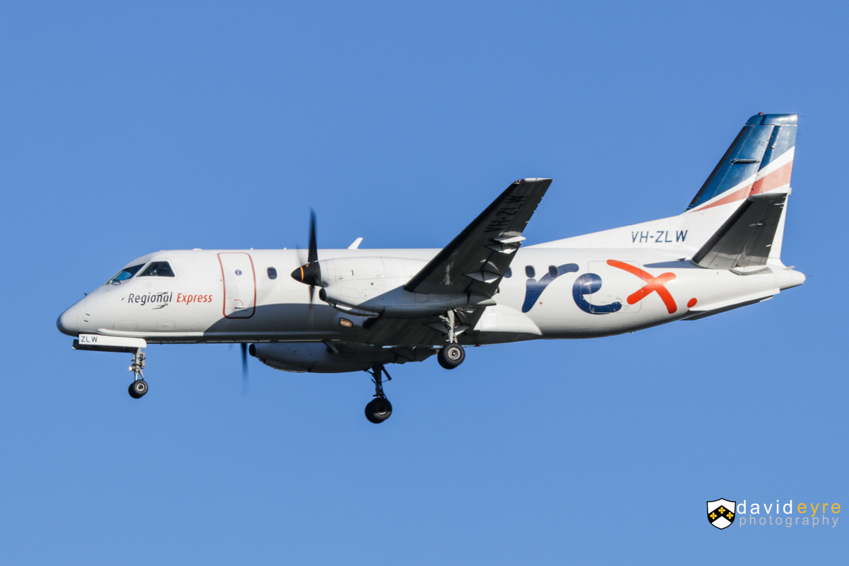 VH-ZLW Saab 340B (MSN 340B-387) of Regional Express (Rex), at Perth Airport - 24 August 2017. Flight ZL2356 from Esperance, on final approach to runway 21 at 7:59am. Photo © David Eyre